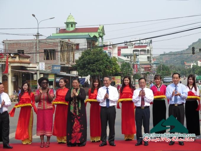 Thông xe Quốc lộ 6, thêm lợi thế cho du lịch Mộc Châu